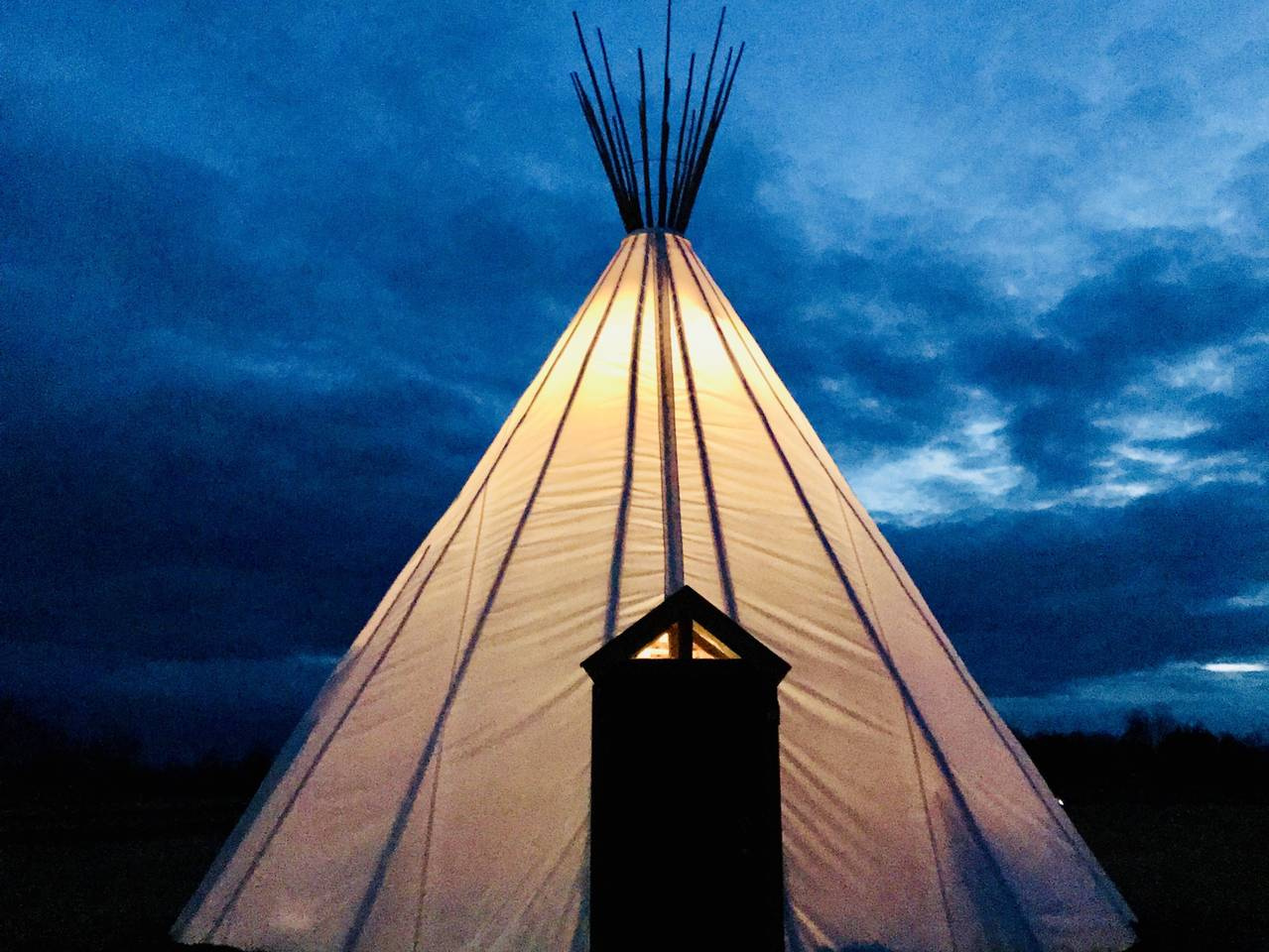 Wind Song Tipi